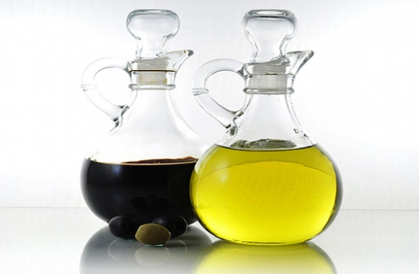 Olive Oil And Vinegar For Age Spots